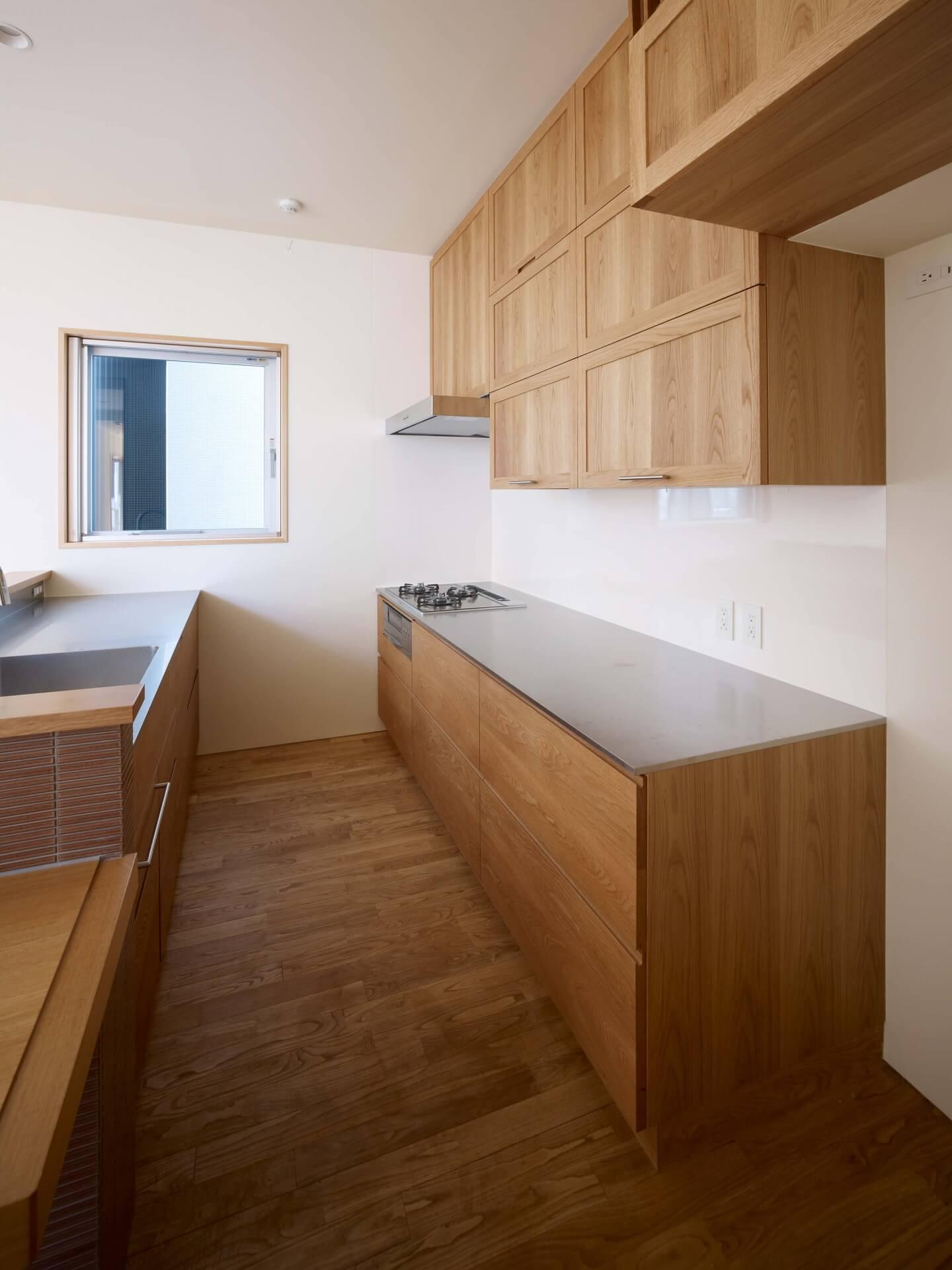 鶴見の住宅のキッチン