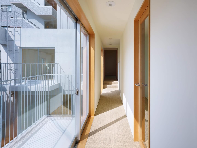 鶴見の住宅の廊下