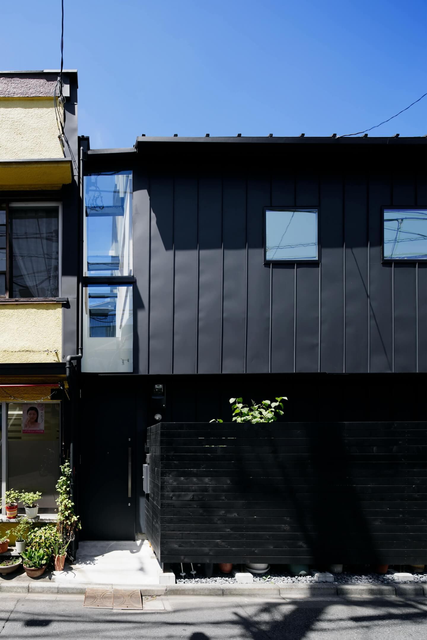 堀切の住宅の玄関先