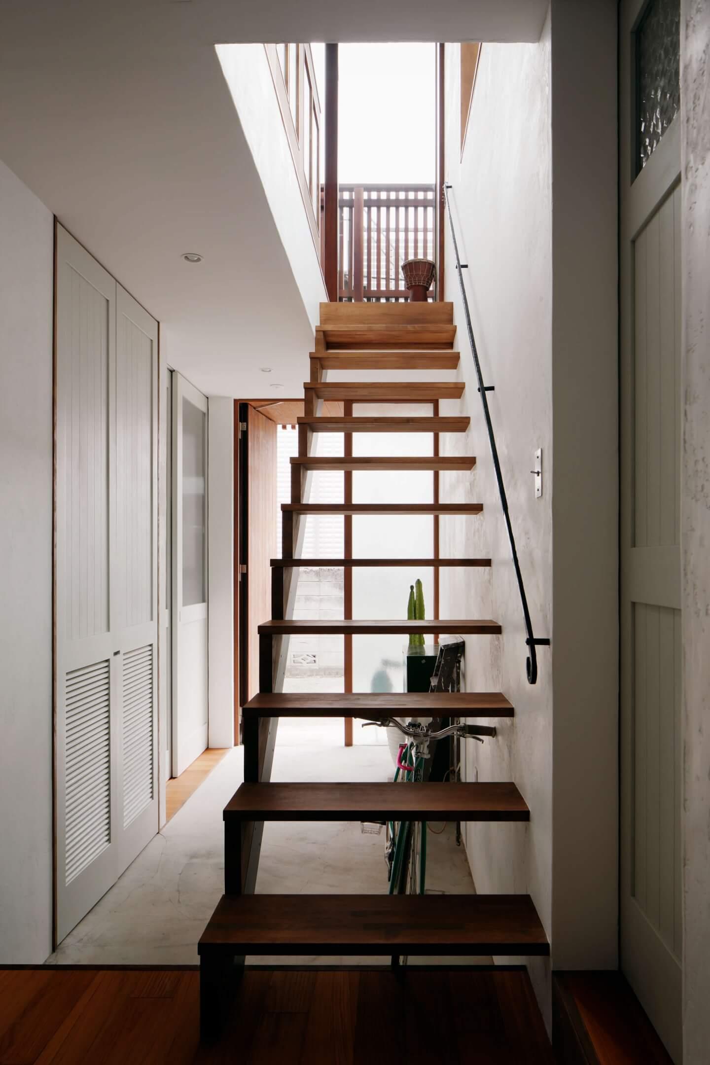 吉祥寺の住宅の階段