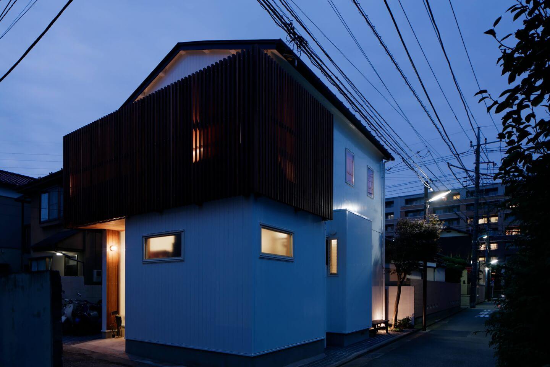吉祥寺の住宅、夕焼けの外観